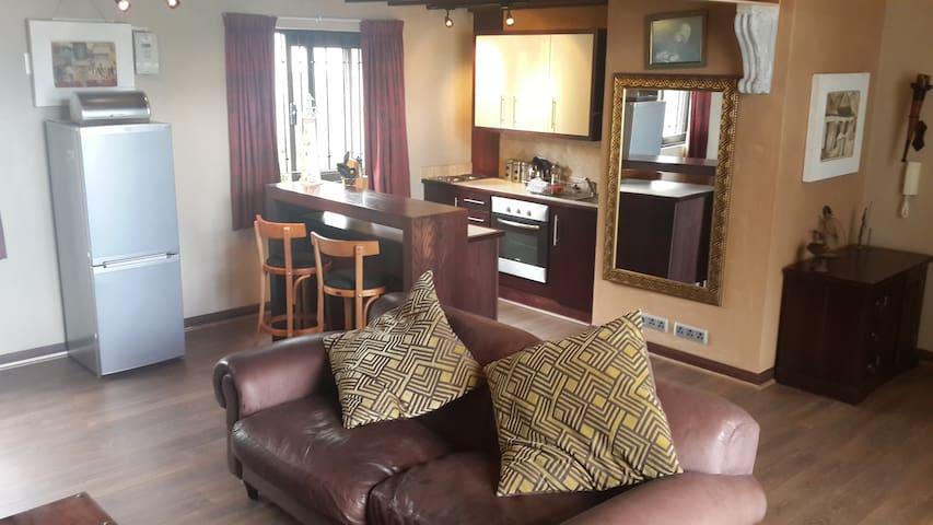 Open-plan Living Room/Kitchen