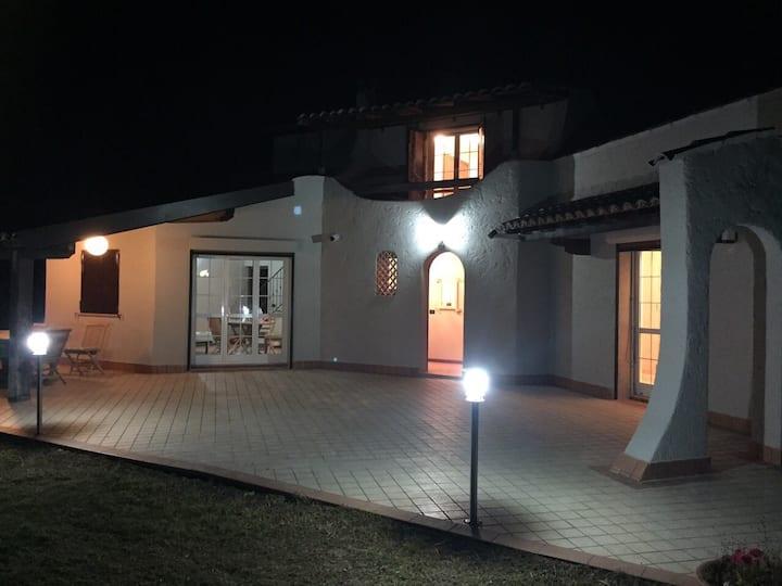 Villa near the sea in San Cipriano!