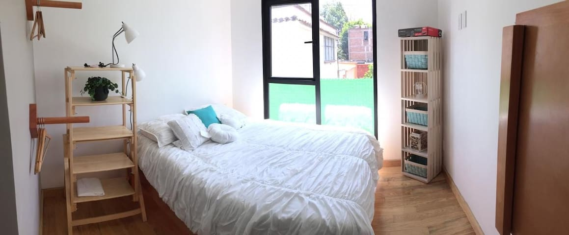Cozy, modern Loft w/pool and roof garden
