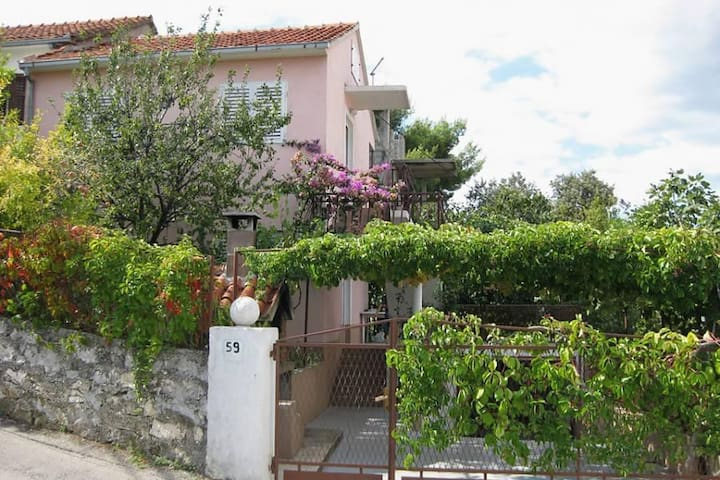 Two bedroom apartment with terrace and sea view Seget Vranjica, Trogir (A-5240-a) - Seget Vranjica
