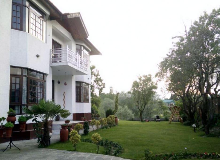 Mannat Guest House (ww.mannathouse.com)