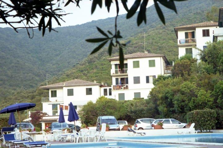 Procchio Isola d'elba trilocale con piscine