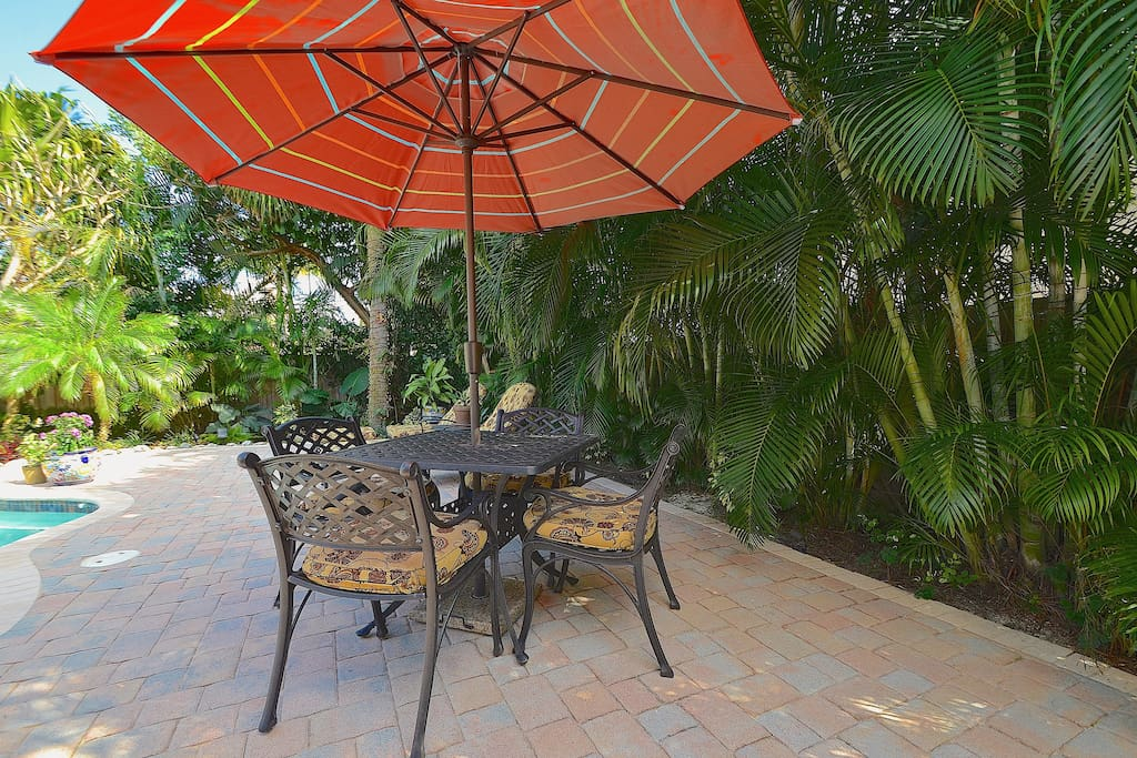 Spectacular Private Heated Pool + Hot Tub Lounge Features Chaise Lounges + Dining...