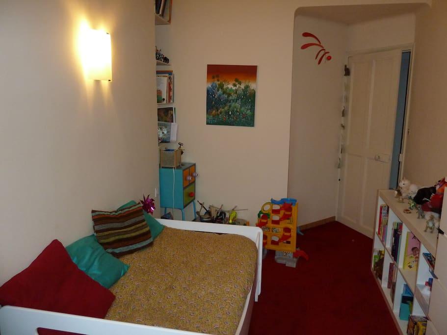 Chambre 2, lit 90+lit tiroir enfant