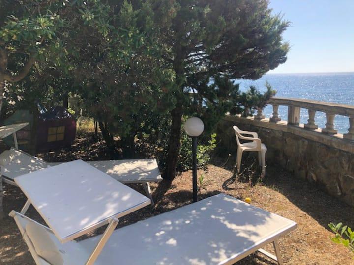 Villa con scesa al mare Quercianella