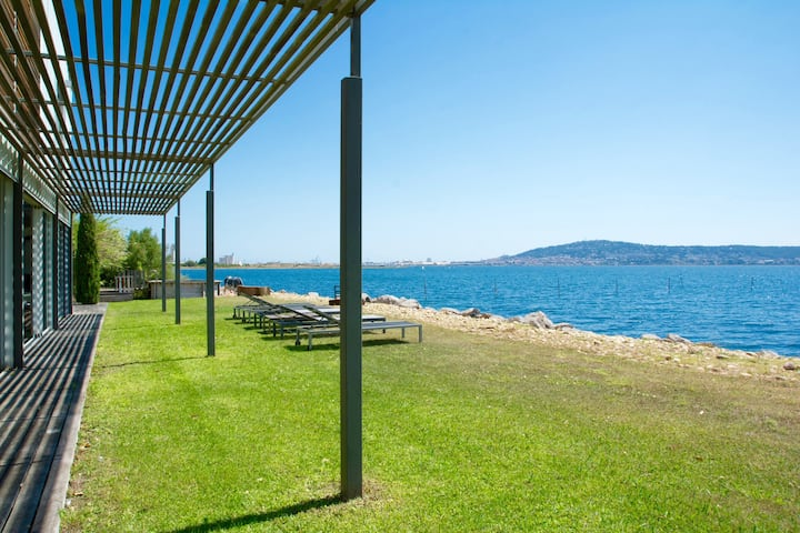 STUNNING VIEWS AND ACCESS TO THE LAGUNA OF SETE