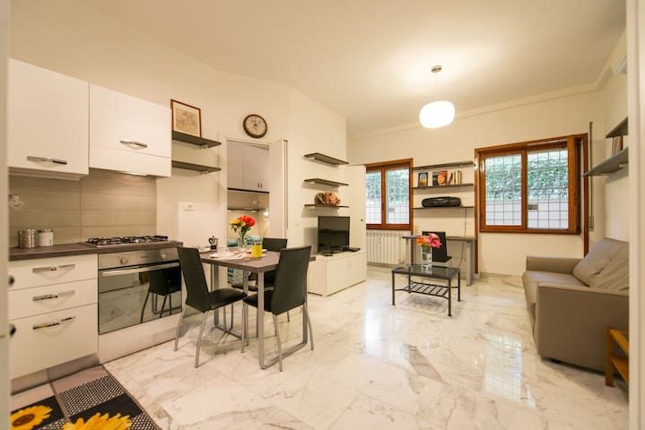 Rome House - up to 4 guests - Roma - Apartment