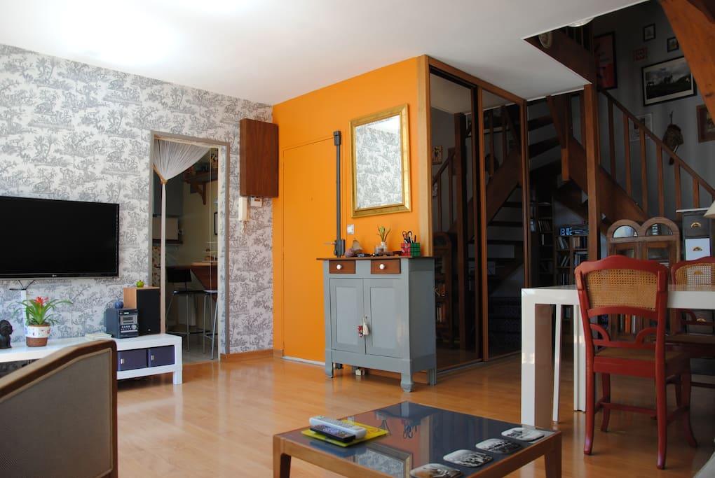 charmant duplex secteur cath drale appartements louer chartres centre france. Black Bedroom Furniture Sets. Home Design Ideas