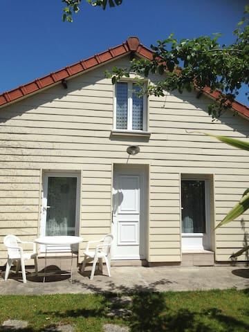 Lovely little house close to Paris - Maisons-Alfort - House