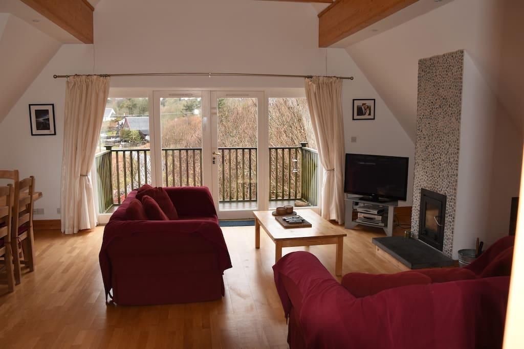 Spacious Lounge with views to the Atlantic (very close)