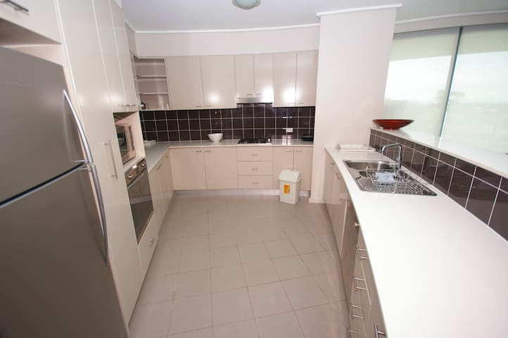 CH85038PEN 3 bed in Castle Hill - Castle Hill - Apartment