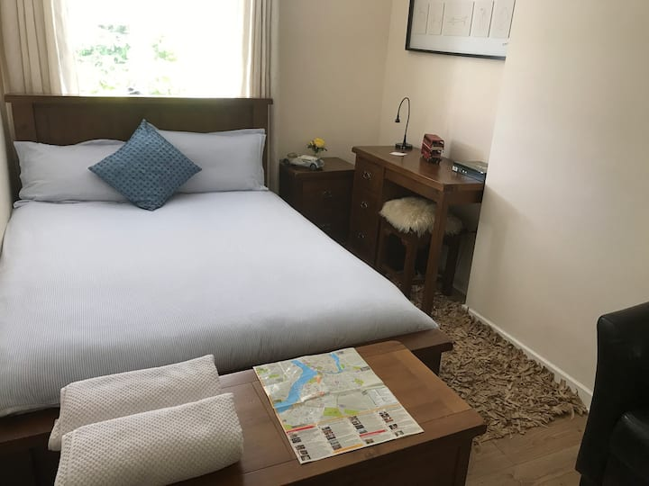 Double Bedroom with use of a private sitting room