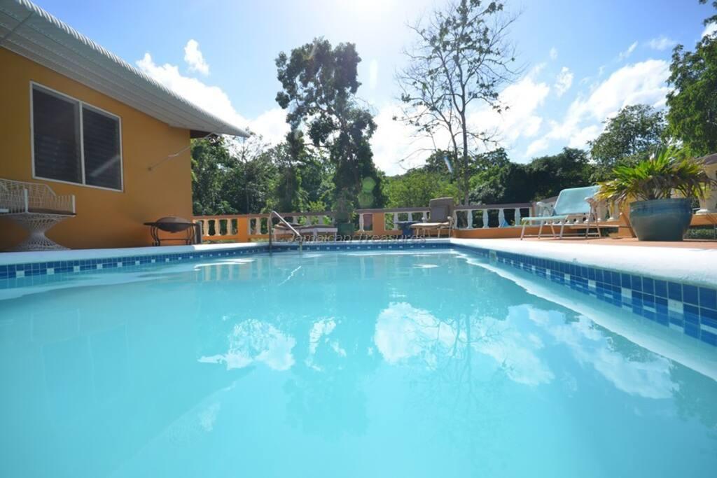 Private Pool!