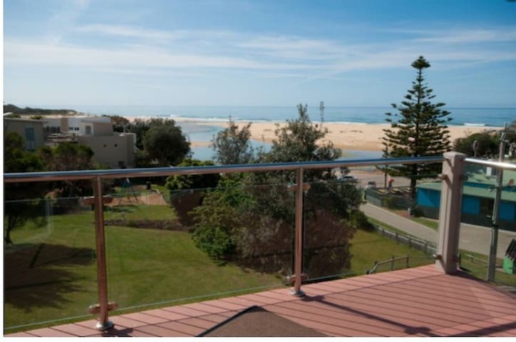 Seaview on the Park - Luxury @ View - Lake Tyers Beach - Stadswoning