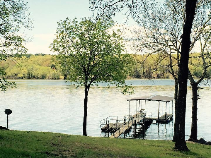 Lakefront Cabin With Covered Boat Dock On Ky Lake!