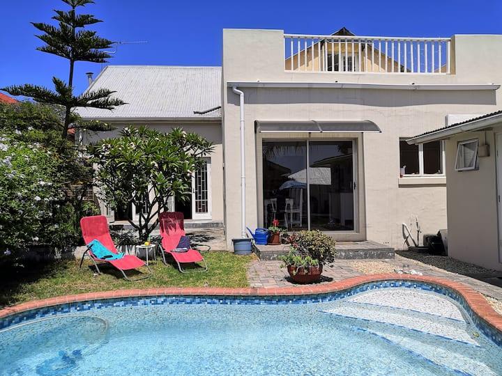 ☆SWISS Inn Africa☆ Ocean View & Pool -Pine Cottage