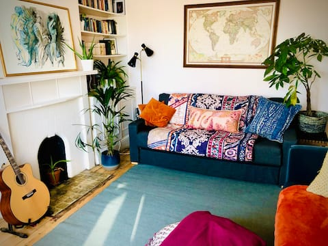 Comfy One Bed Flat - 20mins from central London