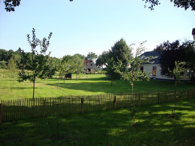Logeren buiten de stad - provincie Groningen - Vriescheloo - Bed & Breakfast