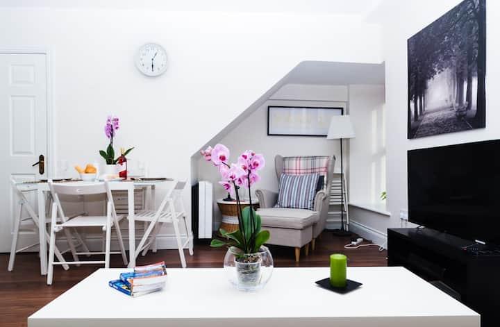 City Centre Apartment: Mainguard Suite