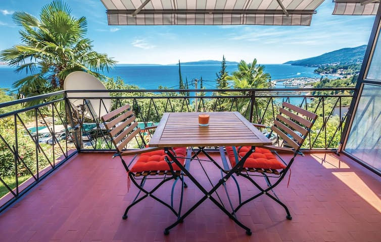 """App for 2+1"" breathtaking view - Opatija - Apartamento"