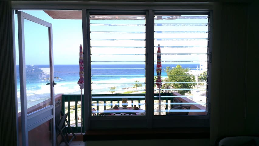 Airy Seaside Fourth Floor Apartment - Bridgetown