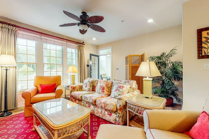 Bear Trap Dunes 1st floor condo w/ balcony, free WiFi, and golf on-site