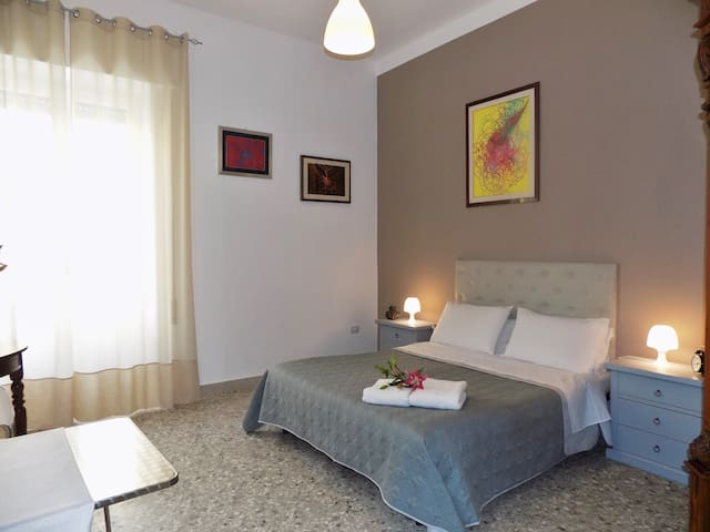 Room in beautiful seaside house 1 - Trapani - Apartamento