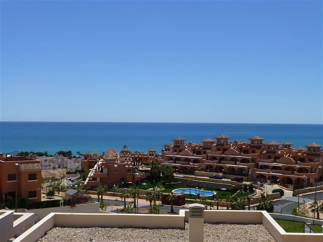 Superb apt overlooking the beautiful Mediterranean - Isla Plana - Apartamento