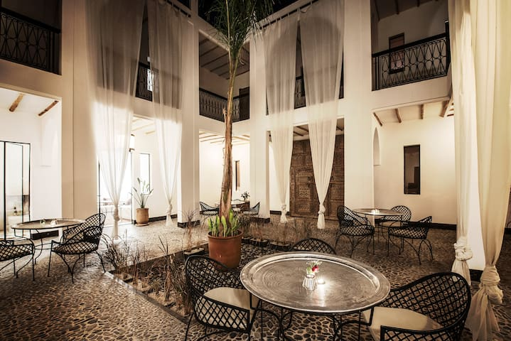Best Area, Unique, Lovely, Cosy, Friendly riad 1 - Marrakesh - Hotel boutique