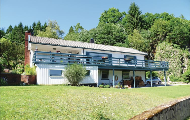 Holiday apartment with 1 bedroom on 54m² in Lyngdal