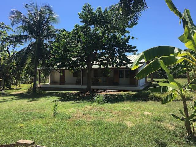 Maison Ylang avec grand jardin - Andilana