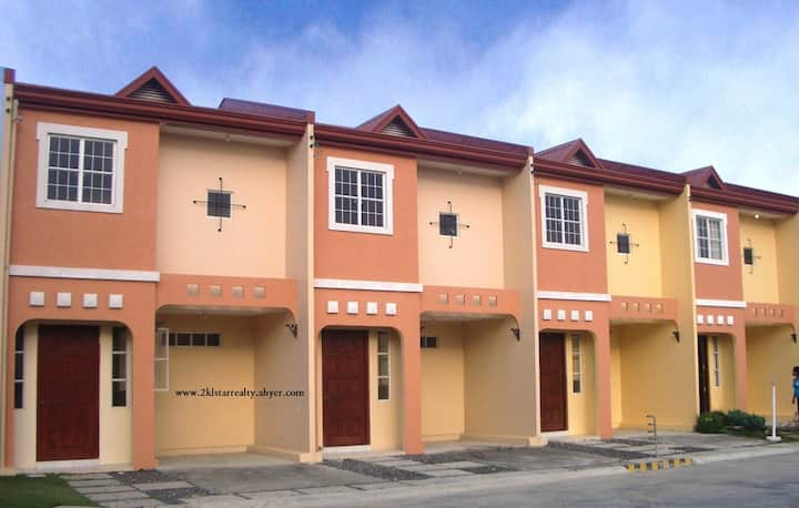 Two bedroom Townhouse in a quiet subdivision.