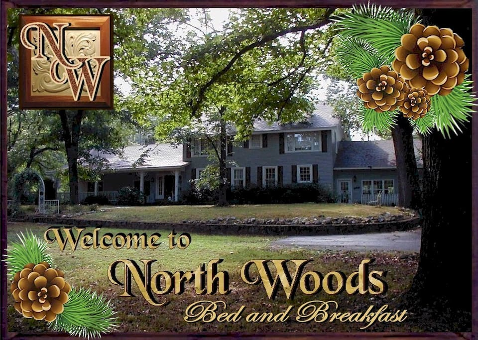 North Woods is located 5 minutes from downtown Hot Springs National Park with lots of free parking right in front of the house.