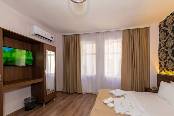 Luxury Rooms at  heart of the Taksim