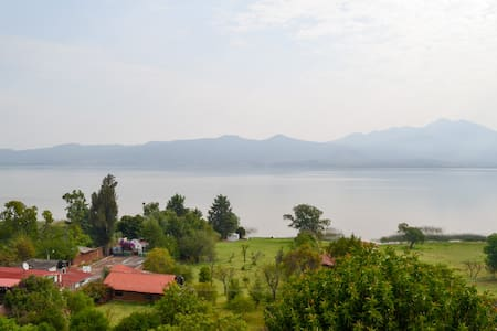 Relaxing cottage with lake view and access - Tzintzuntzan - Bungalow