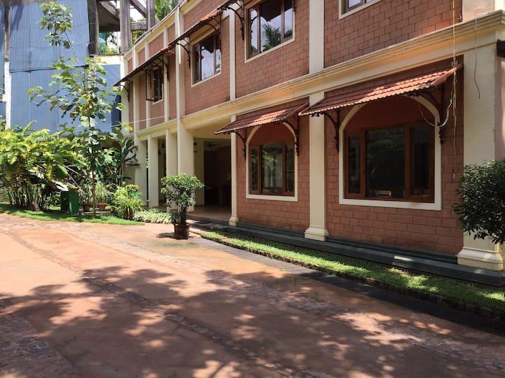Marigold Hotel ( Room 15 )