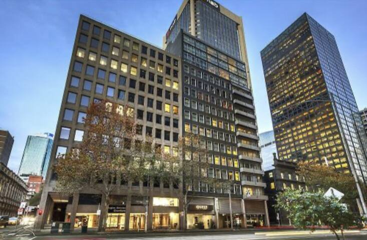 Vic2 Main Chic Glass Apartment, 2mins Melb Central