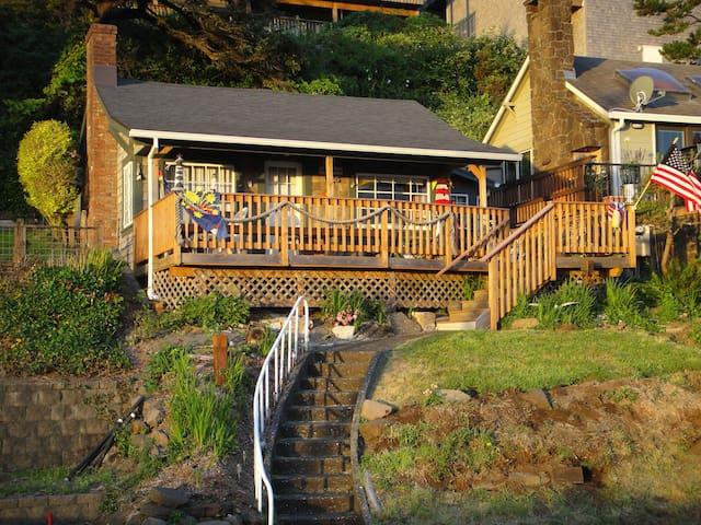 Oceanside Beach Cottage - Tillamook