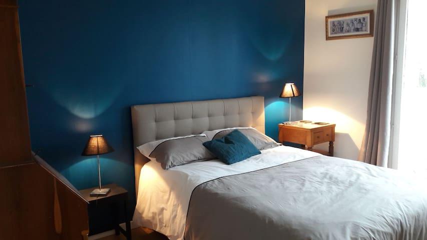 La Roseraie - Chambre bleue