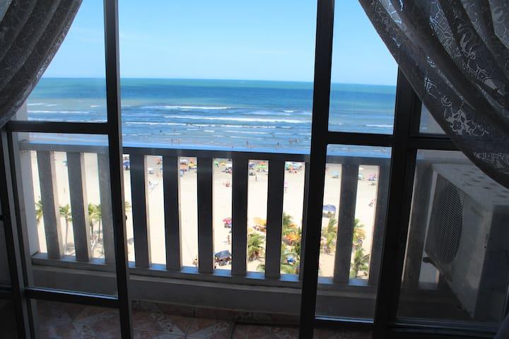 Apartamento Pé na Areia (Vila Tupi - Praia Grande)