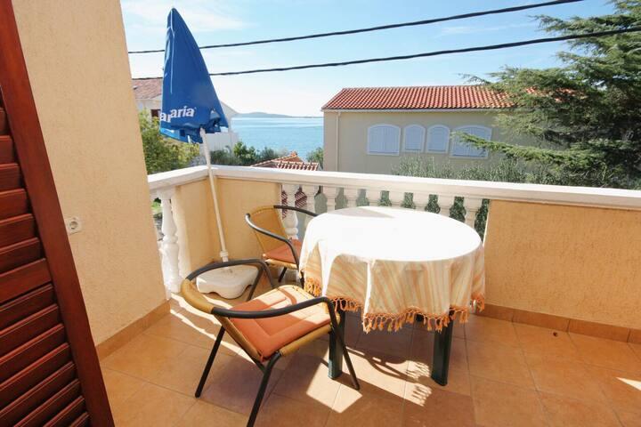 One bedroom apartment near beach Bibinje, Zadar (A-5769-b)