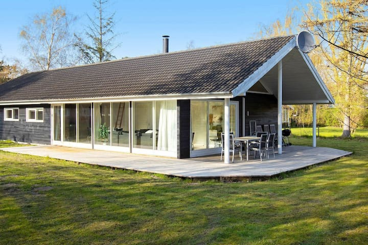 Tranquil Holiday Home in Gedser with Sauna