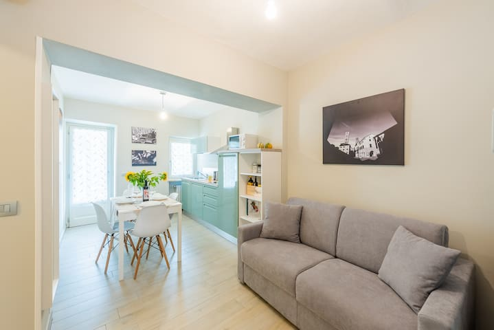 unit.3 : living room & sofàbed( usefull 1 guest)