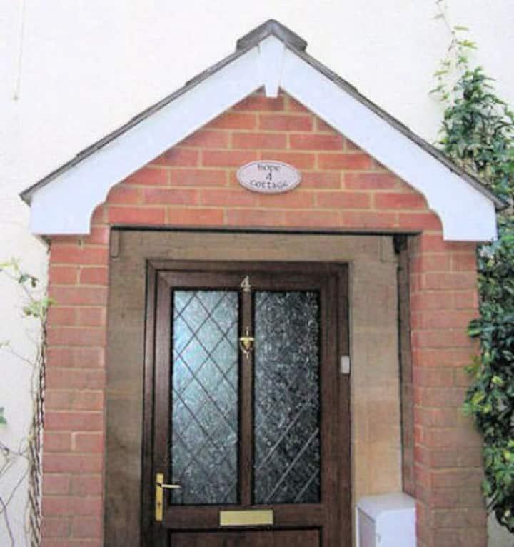 Hope Cottage, Wiltshire, 1-6 People
