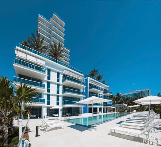 OCEAN AND BAY VIEW LUXURY 1BR MONTE CARLO PARKING!
