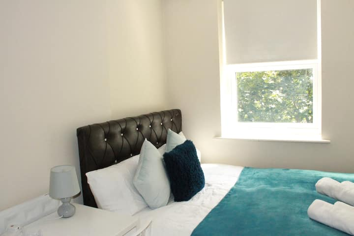 PRIVATE DOUBLE BEDROOM IN EUSTON STATION (15)