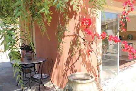 Joli Studio avec piscine et tennis - Haute-Corse