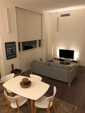 Beautiful and cozy ground floor unit for 2