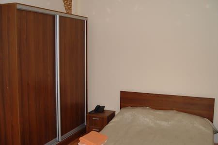 104. Квартира с видом на парк - Almaty