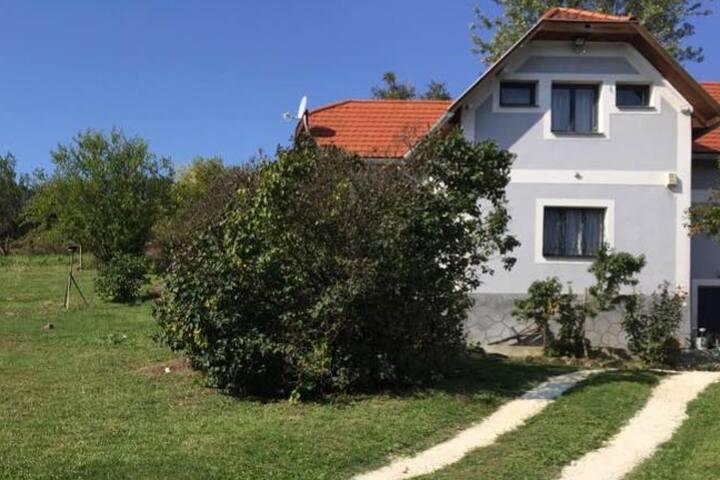 Eszter-Ház - Szent György-hegy